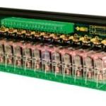 Scheda a 16 rele' Cabur ideale per interfacciare l'uscita del controllo con l'hardware del quadro (prodotti per macchine utensili)